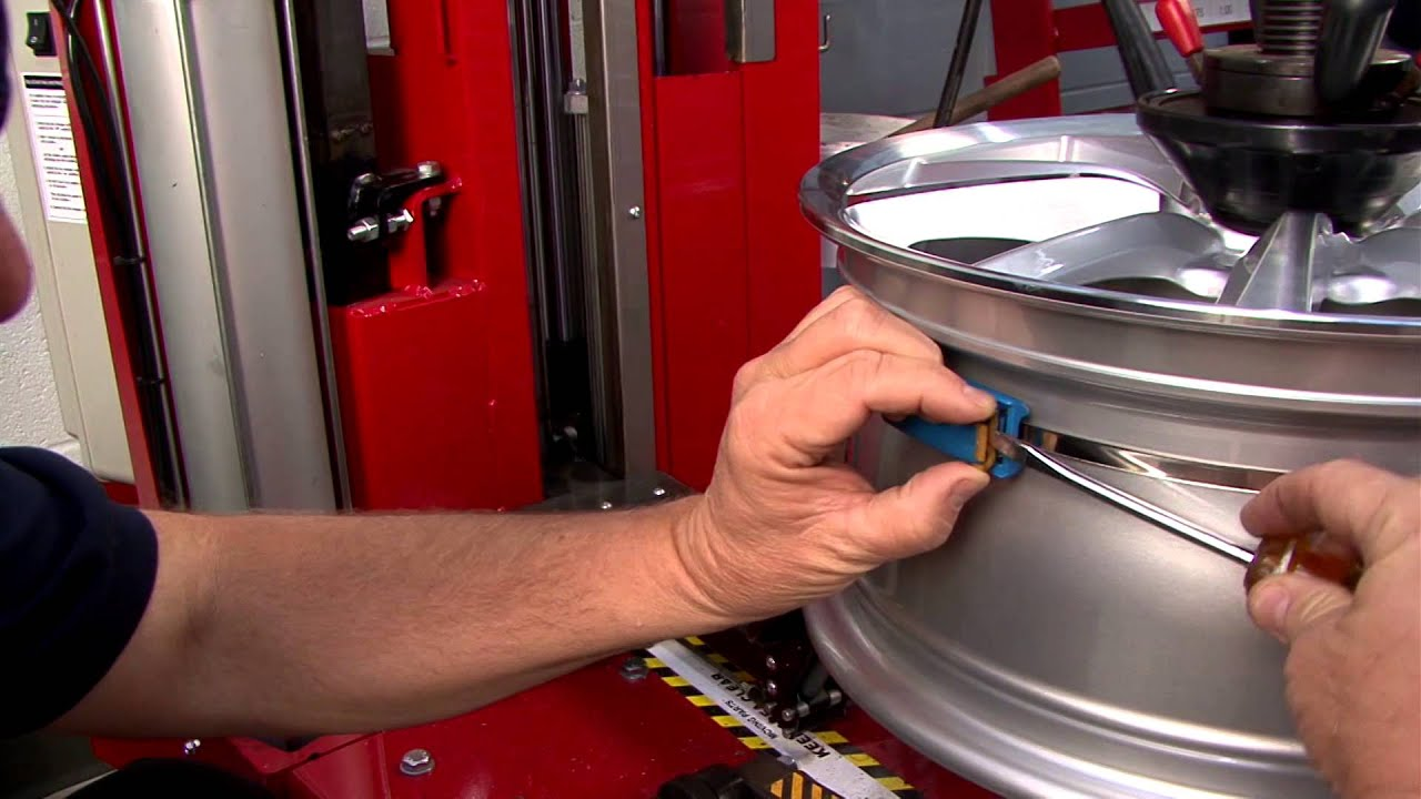 How to Install and Remove a Banded Tire Pressure