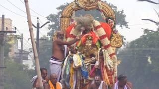 Kanchi Varadarajan - Garuda Sevai 2017_ Part 02_15m 08s thumbnail