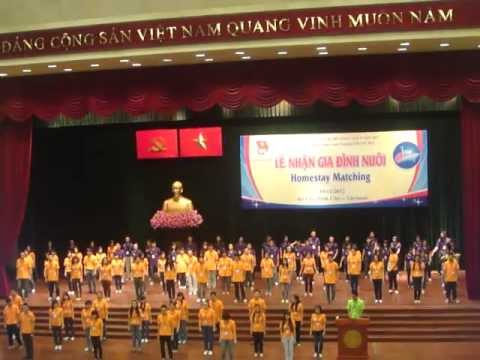 [SSEAYP 2012] Vietnam's Volunteer Flashmob - Teenage Dream & Live while we're young