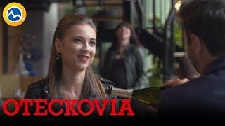 OTECKOVIA - Alex na prvom rande s Lenkou. Prekazí ho Simča