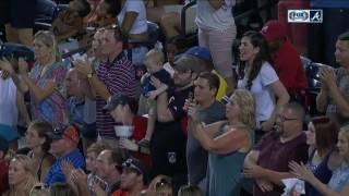 Tim Hudson mic'd up for Atlanta Braves' Turner Field Countdown