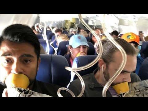 يورو نيوز:شاهد: صورٌ من داخل طائرة أمريكية أثناء هبوطها اضطرارياً في فيلادلفيا…