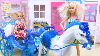 Princess Barbie took a carriage to the curly-haired doll's house as a guest!