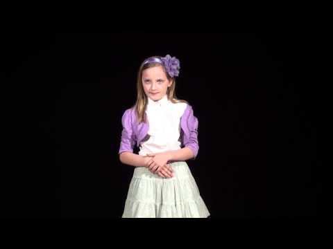 Konkurs Recytatorski Amelia Wykonuje Wiersz O Pewnym