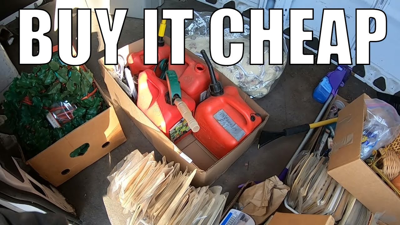 Trash Picking And Auction Haul - Buying Vintage Christmas and Row Lots