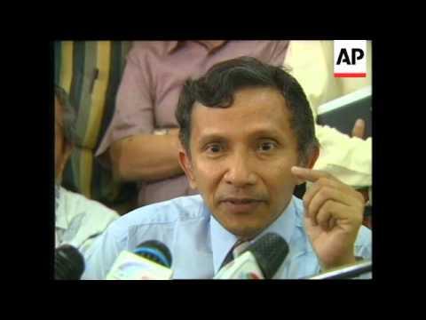 INDONESIA: JAKARTA: REACTION TO SUHARTO RESIGNATION (2)