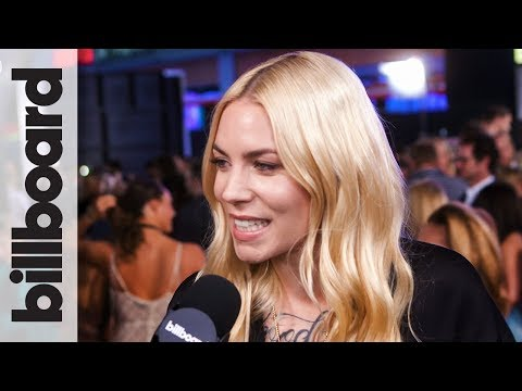 Skylar Grey on Performing 'Stan' With Eminem on SNL The Night Before Performing at the 2017 AMAs!