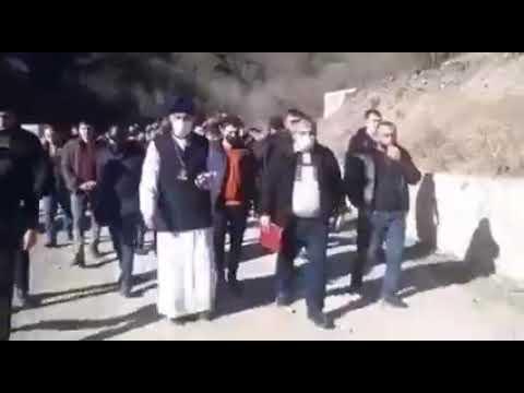 Удины, представители Албанской апостольской церкви, посетив там принадлежащий им монастырский