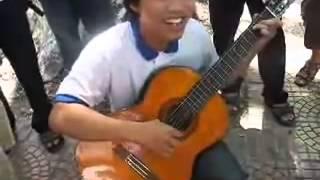 Guitar - Câu chuyện của chàng sinh viên - Nhạc hài chế :D