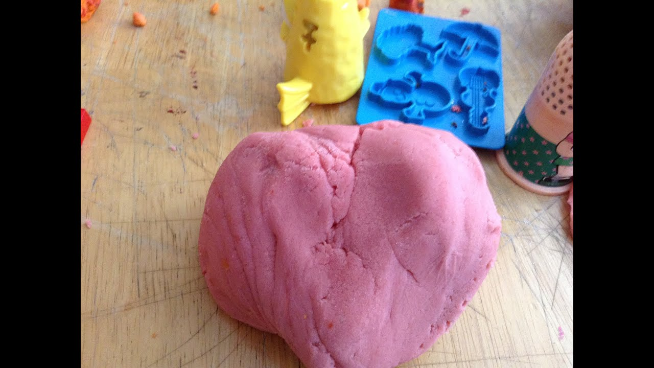 Homemade crafts to make - Diy How To Make Homemade Play Dough Easy And Super Fun Crafts For Kids