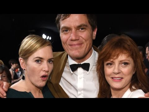 Kate Winslet Can't Keep Her Hands Off Susan Sarandon's Cleavage: See The Pic!