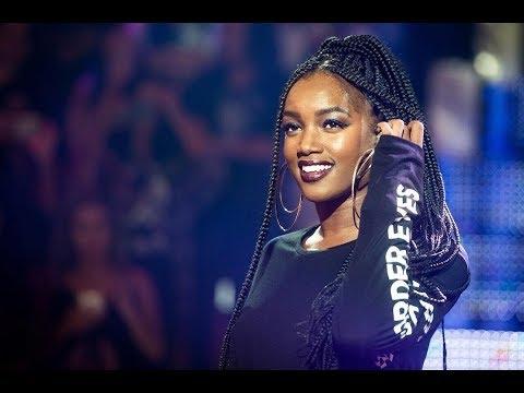 IZA, um dos maiores talentos do pop nacional, lança 'Dona de mim' no VEJA Música