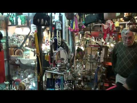 Buenos Aires Antique Mall | Our Honeymoon Adventure