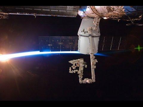 НАСА: стыковка корабля Dragon с МКС / NASA: Dragon Docked To ISS