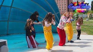 Фрагмент обучения детей восточным танцам, танец живота девочки