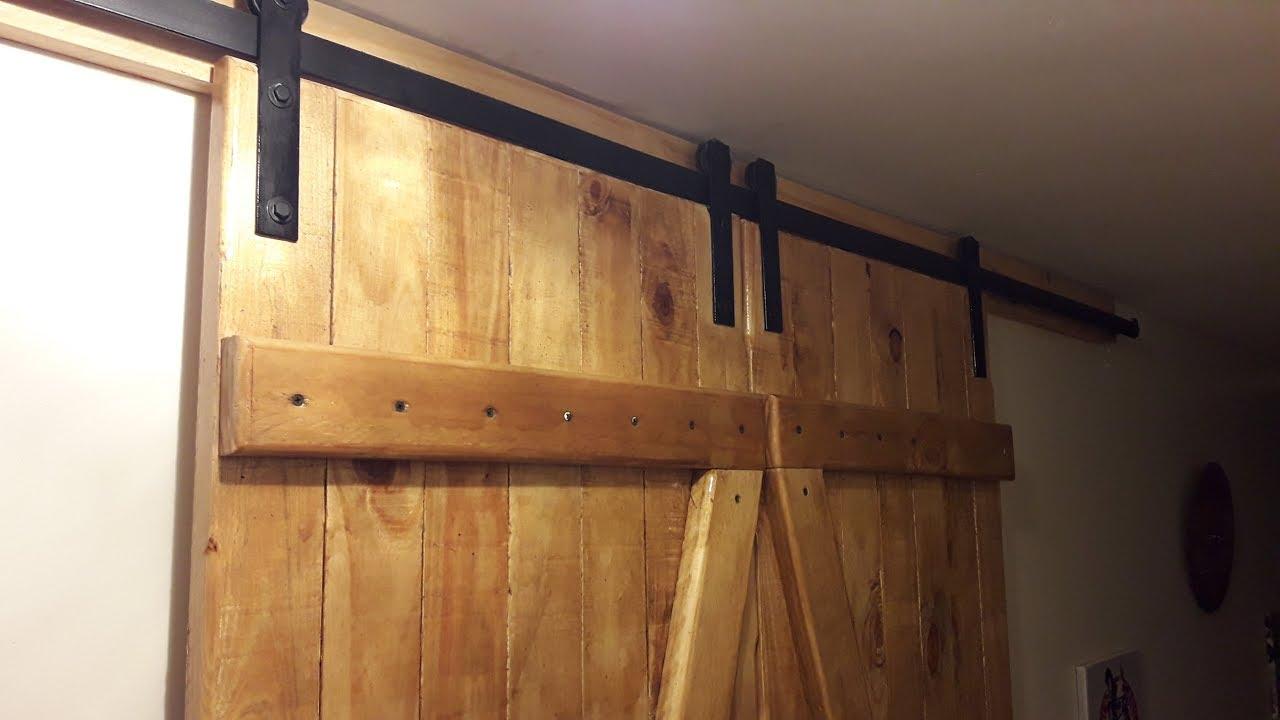 Puerta tipo granero r stica corrediza para placard youtube for Puerta granero madera