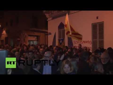 "Spain: ""Stop fascism!"" Hundreds protest VANDALISED Catalan art gallery"