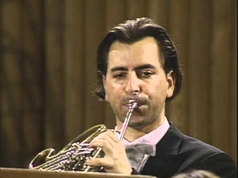 Siegfried call (Siegfriedruf) / Sanders - horn solo. Live in Bayreuth, 1996