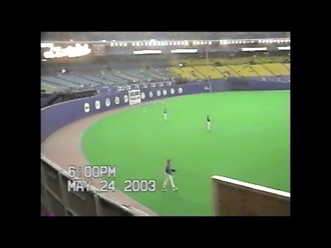 Snagging my 2,000th baseball at Olympic Stadium in 2003