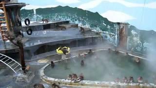 【癒やしの風景】露天風呂にダイブするサルとその仲間たち