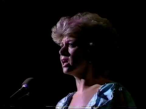 Memory - Elaine Paige (from Cats )  1982  (HQ)