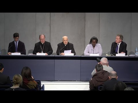 """Worldwide youth to be able to participate in """"pre-synod"""" on Facebook"""
