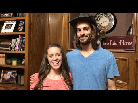 Is It A Boy Or A Girl? A Special Announcement From Jill Duggar and Derick Dillard | Counting On