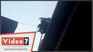 بالفيديو.. شلل مرورى أعلى محور صفط اللبن بسبب تصادم سيارة بالسور الحديدى