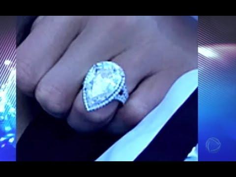 Conheça o anel de R$ 6 milhões de reais que Paris Hilton ganhou do noivo