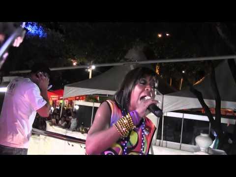 A Rochelle (Tichina Arnold),  De Todo Mundo Odeia O Chris No Carnaval De Salvador 2013