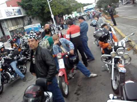 mas de 4000 motociclistas rodando en el desfile - Silver Wings Choppers Guadalajara