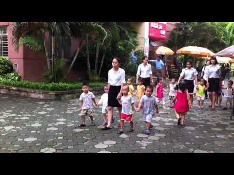 Mam non Thanh Giong - Hoat dong ngoai troi cua be (2)