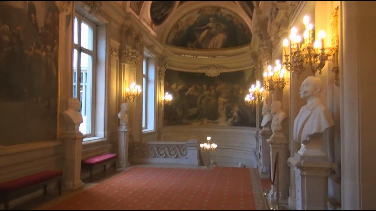 H tel de ville de bruxelles visite de l 39 int rieur du for Inside l interieur