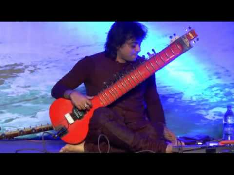With Sitar master Niladri Kumar in  Bombay | Wandering the Globe | Mike del Ferro |