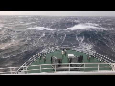 Шторм Баренцево море