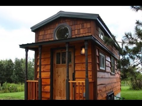 Family Of 4 Living In 207 Sq Ft Tiny House Youtube