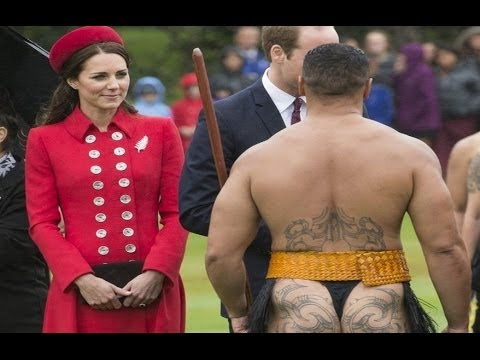 "Prince William And Kate Middleton #1 (2014) - ""New Zealand"" Half Naked Man Nose kisses"