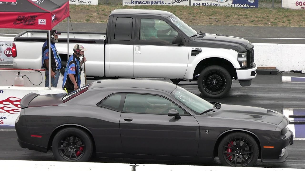 Hellcat vs Ford F250 - drag race