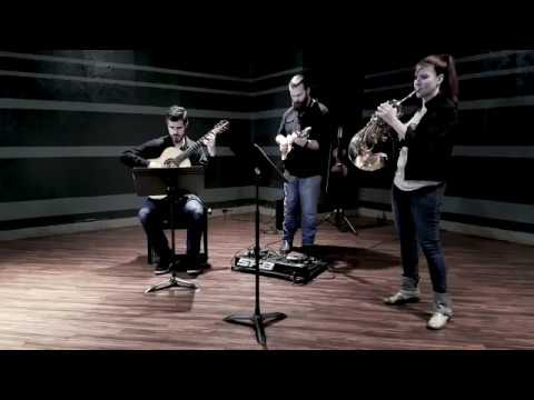 Mozart Horn Concerto No. 2 Rondo mvmt 3 - guitar, mandolin, horn - LIVE demo