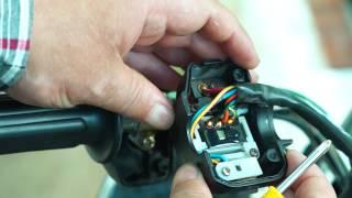 Скутер: мастило перемикача поворотів