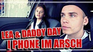 I PHONE IM ARSCH / LEA & PAPA TAG