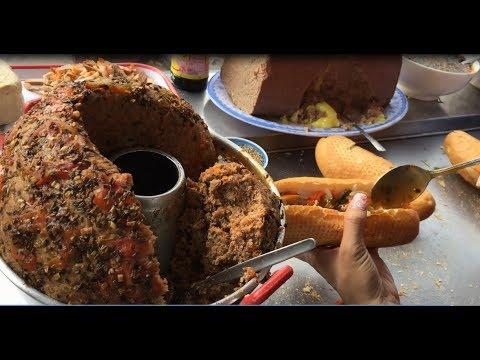 """""""Bánh mì cá bạc má"""" Hàng Xanh bán 30 năm khách đến nườm nượp không kịp bán- Guufood"""
