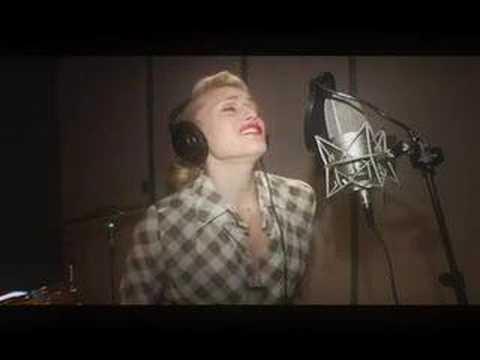 "Gwen Stefani ""4 In The Morning"" (In Studio)"