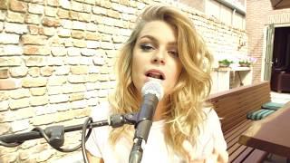 Davina Michelle - Pillow (Acoustic Version)