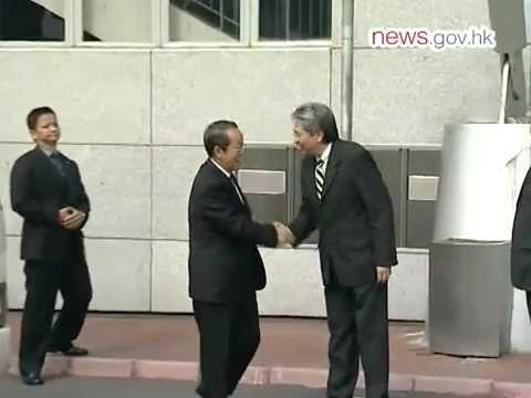 HKMAO Director Wang Guangya starts HK visit  (12.6.2011)