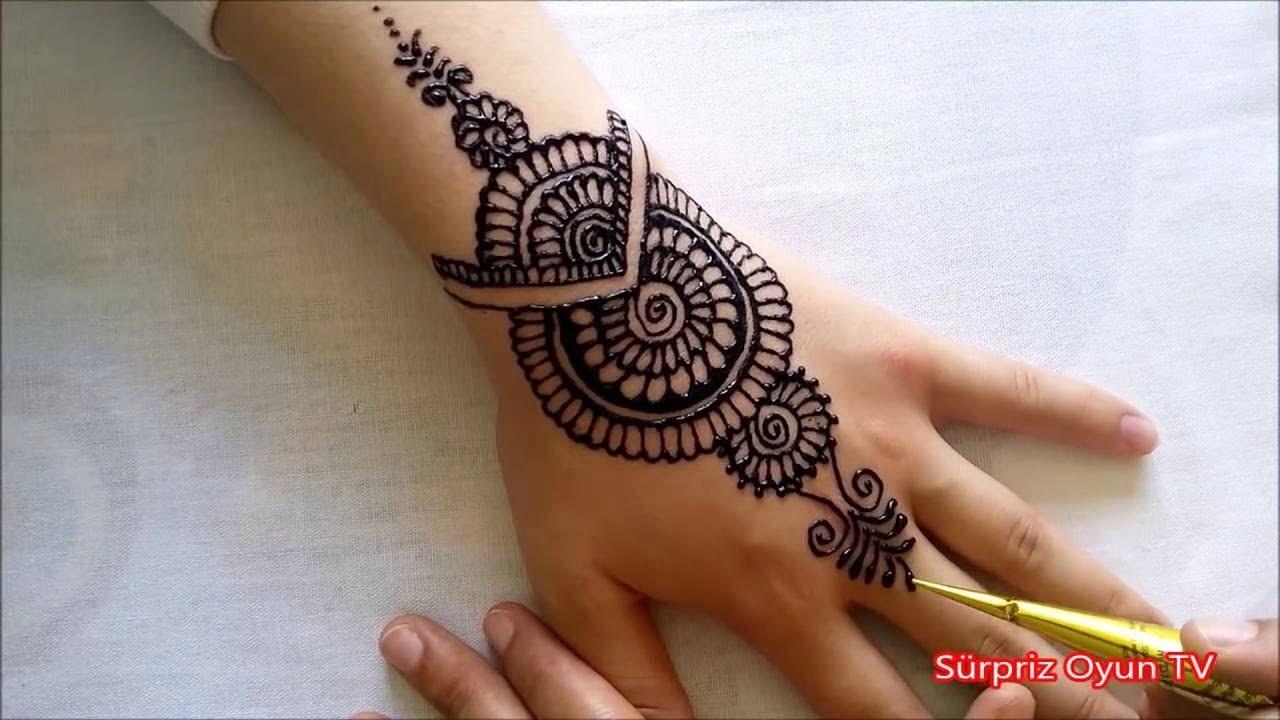 Hint Kınası İle Parmaklara Dövme