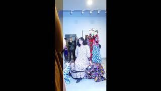 Sümerbank Tanrıçası Zülfü Livaneli Suzan Batu sergisi Saadet Türköz performans