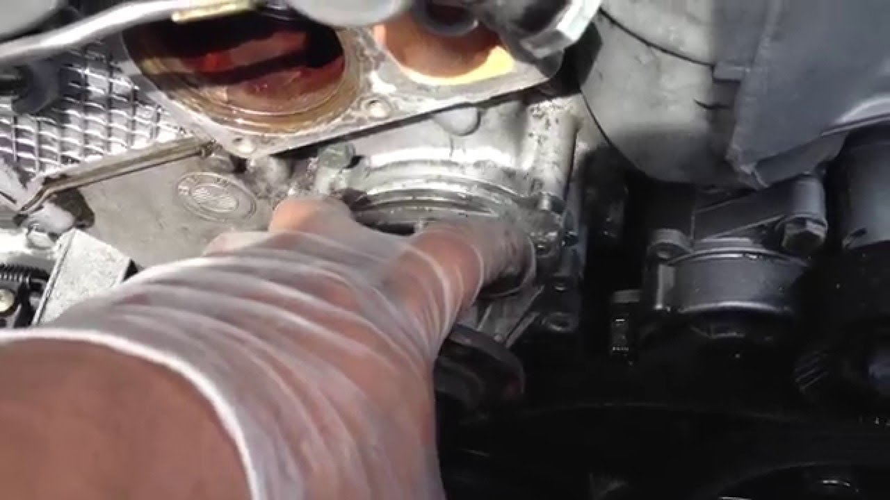 tip when replacing water pump 97 03 bmw 5 series e39 528i 525i 540i m5 youtube [ 1280 x 720 Pixel ]