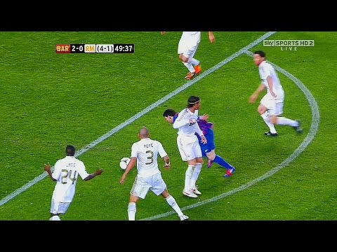 10 Times Messi Destroyed Whole Real Madrid Team Alone ►Single Handedly◄ ||HD||