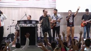 Cover images Davi Sacer louvando no Ministério Nova Vida Fortaleza